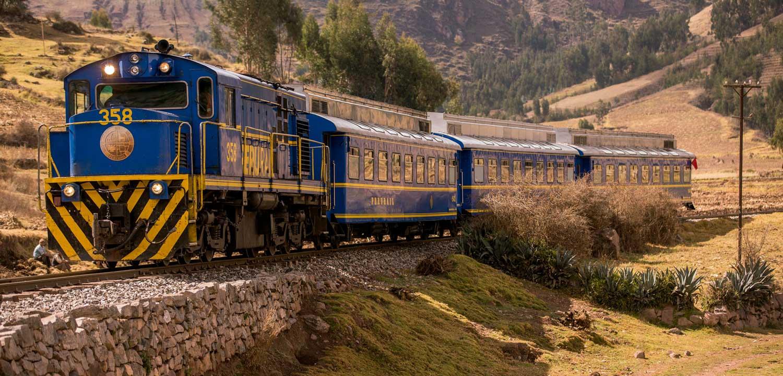 Tren local a Machu Picchu por PeruRail