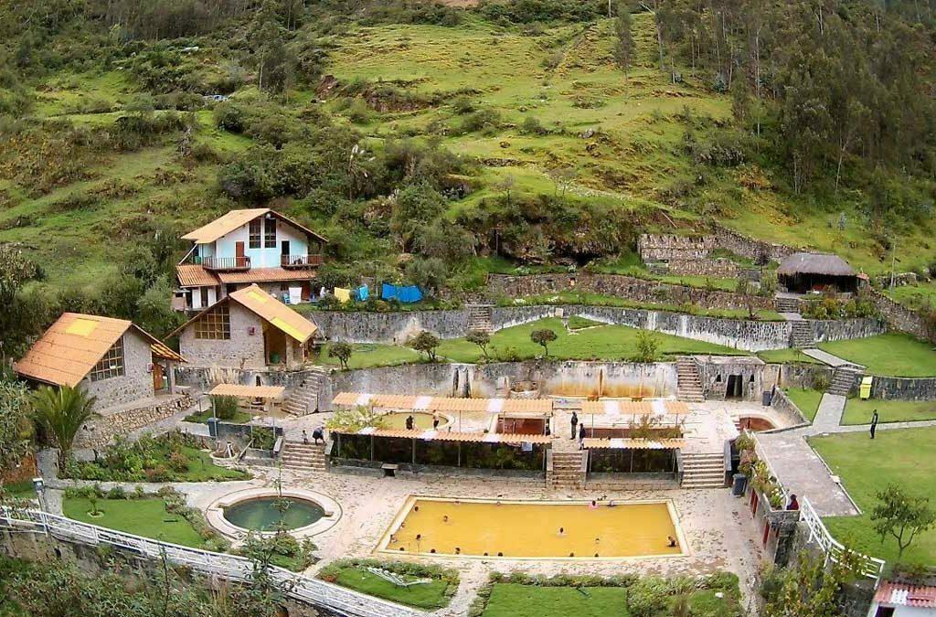 Baños termales de Lares de Cusco