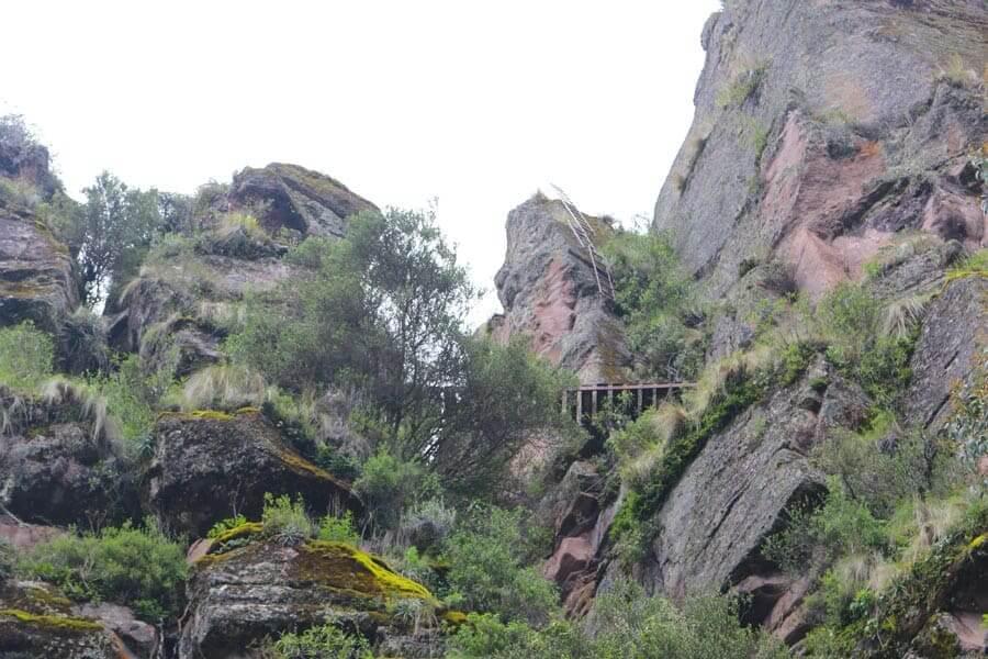 Escaleras y Via ferrata en Ccorca